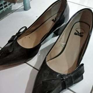 """Reprice Jual sepatu cewek """"the litle things she need"""" size 38 black heels 5cm an"""