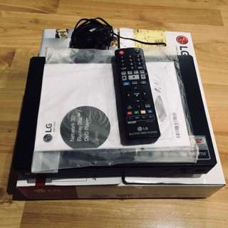 Blu-ray Disc / DVD Player BP450