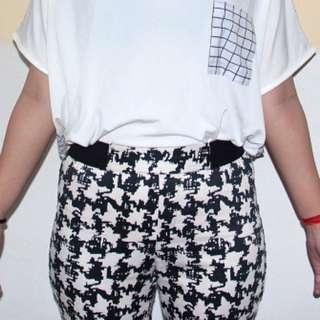 Celana Semi Legging Pattern Hitam-Putih