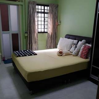 Master Bedroom at Woodlands Direct landlord!