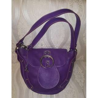 Minozzi in Purple. Made in Italy. Trendy, youthful, good leather and strong workmanship.