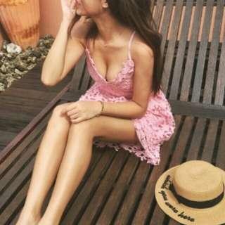 🚚 粉粉紅蕾絲綁帶洋裝