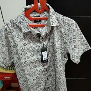 Baju cokelat batik
