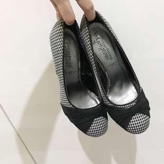 Heels sepatu new look black