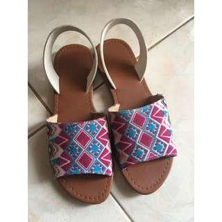 Printed sandals