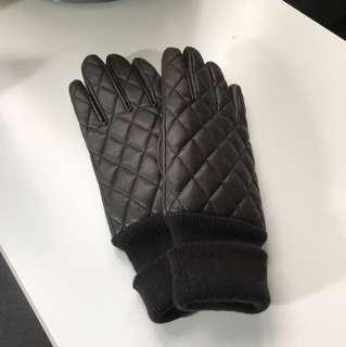 Uniqlo winter leather gloves