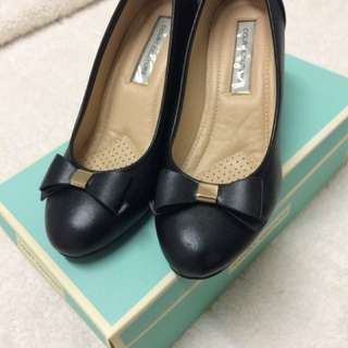 Court Couture Black Bow Heels