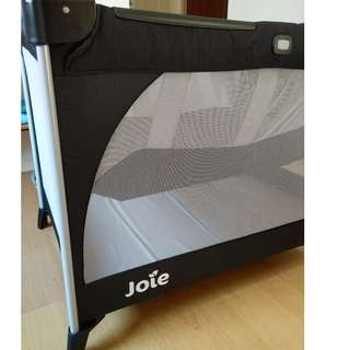 Joie baby bed play pen