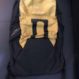 ARCTERYX背包