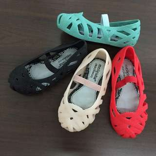 Girl jelly shoes