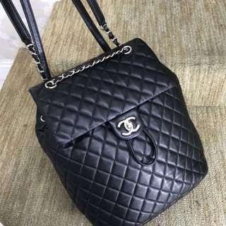 Chanel 黑色全皮菱格背包 ✔️真好看吧 好價秒