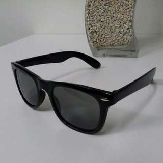 Kids rayban wayfarer sunglasses