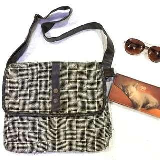 prilly slingbag