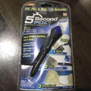 Quick fix UV sealing glue