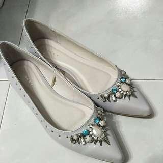 Grey boho flat shoe