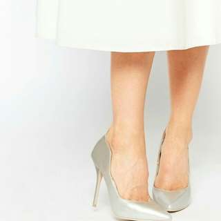 Parisian Ladies Chantal Pumps in Gray