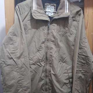 👕 卡奇色 zip up 外套 jacket