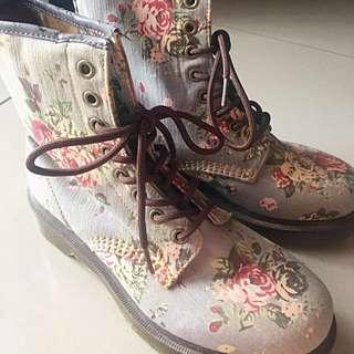 Dr.Martens Denim Floral (Hi Ankle)