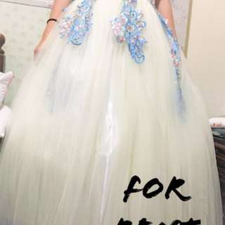 FOR RENT GOWN