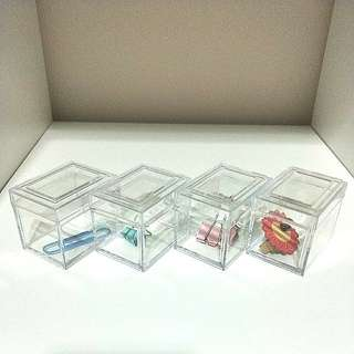 🍊💞CNY 50%TIME SALE!! 🐶 (U.P: $10) BRAND NEW X4 ACRYLIC MINI COMPARTMENT CLEAR BOX WITH COVER STORAGE FOR BEADS, PAPER CLIPS,  EVEN SWEETS & OTHER SMALL ITEMS TO KEEP YOUR HOME OR OFFICE NEAT AND TIDY!!!  ONLY 4!!! HURRY WHILE STOCK LAST!!!