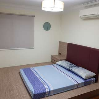 RENOVATED BEDROOM w STUDY TABLE (RENTAL INCL WIFI,UTILITIES & AIRCON) 3 MINS WALK TO MRT