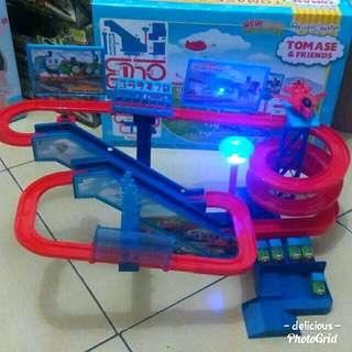 Mainan track kereta thomas