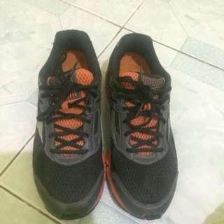 Mizuno wave (running shoes)