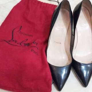 Authentic louboutin black 38
