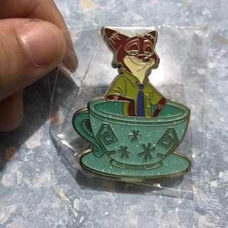 迪士尼 Disney 咖啡杯 Tea Cup Pin Nick 徽章