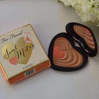 Limited edition Too Faced Blushing Bronzer in ' Soul Mates'