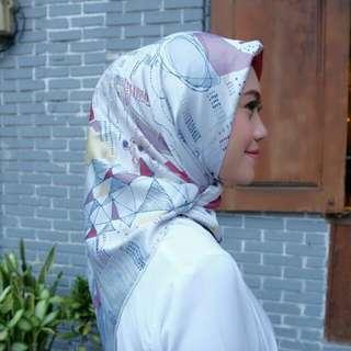 Hijab print segiempat bahan viney