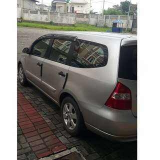 Grand Livina 1.5 XV / MT 2010 low km.