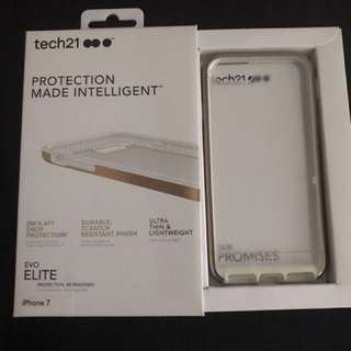 IPhone 7 protector