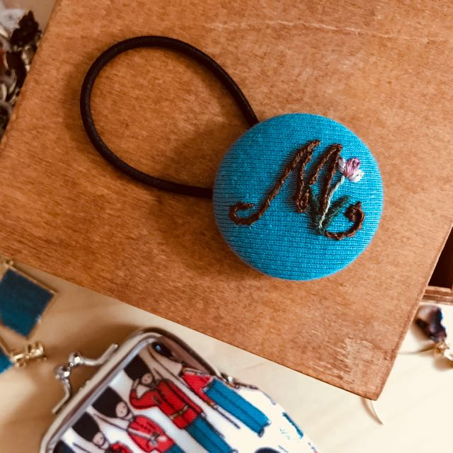 """手工情人節必備髮飾(33mm - HKD$58) Handmade accessory ♥️ A """"ring"""" with your initial❤️"""