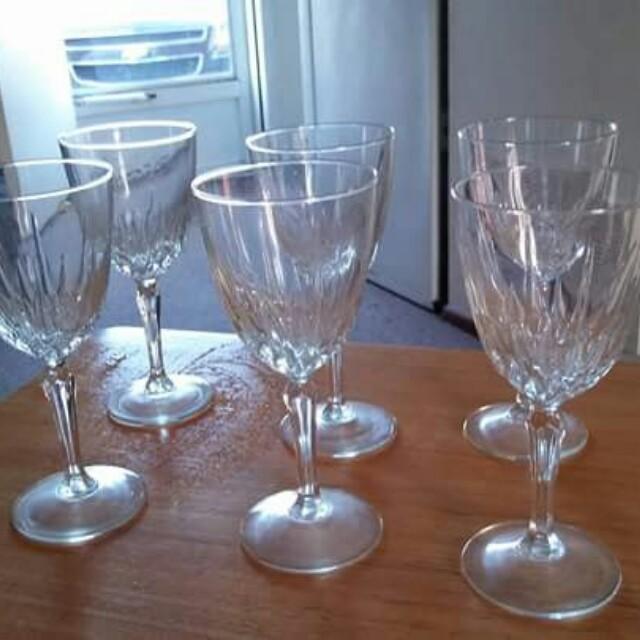 6 Used wine glasses asking 5.00
