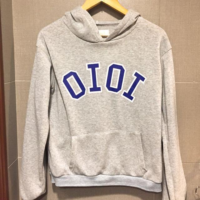 (9成新)韓版OIOI英文字母刷毛帽踢帽t灰