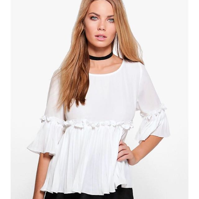 1d91d15679fd BNWT Boohoo white ruffle pleated babydoll top, Women's Fashion ...