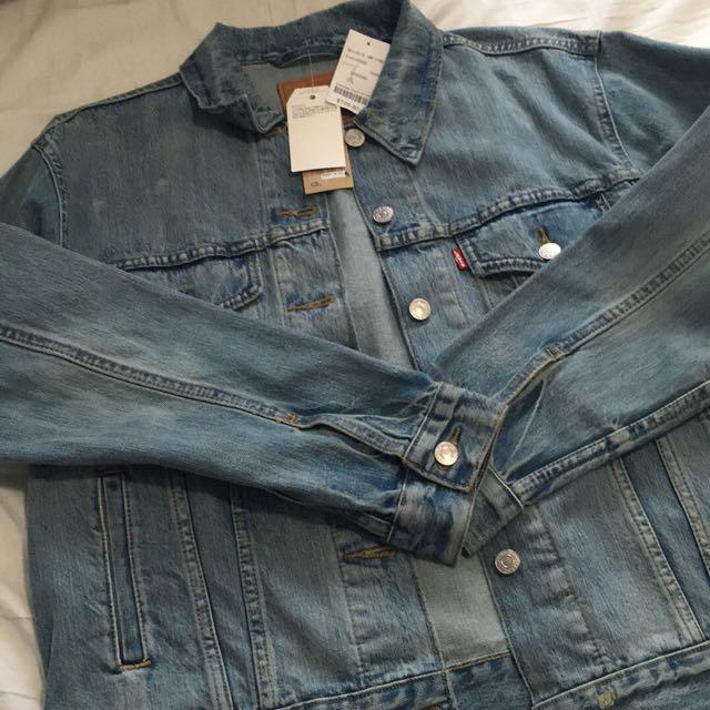 BNWT Levi's Denim Jacket
