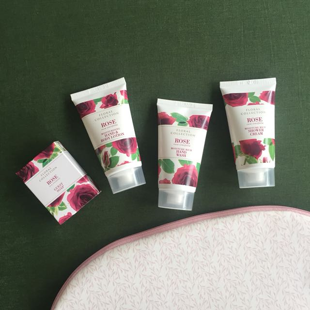 BRAND NEW Rose scented bath set