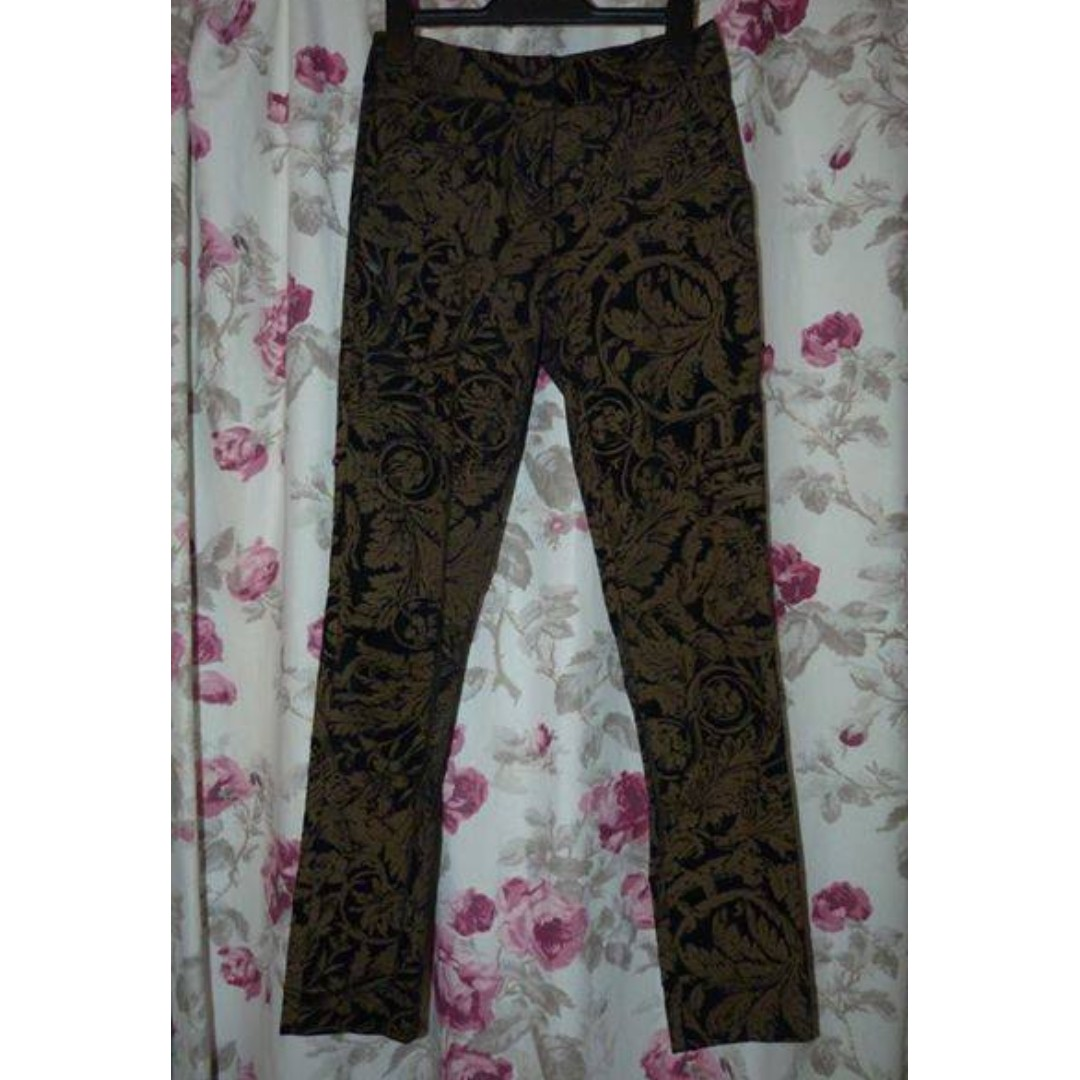 Cue velvet and gold print size 6 pants in euc - - $30
