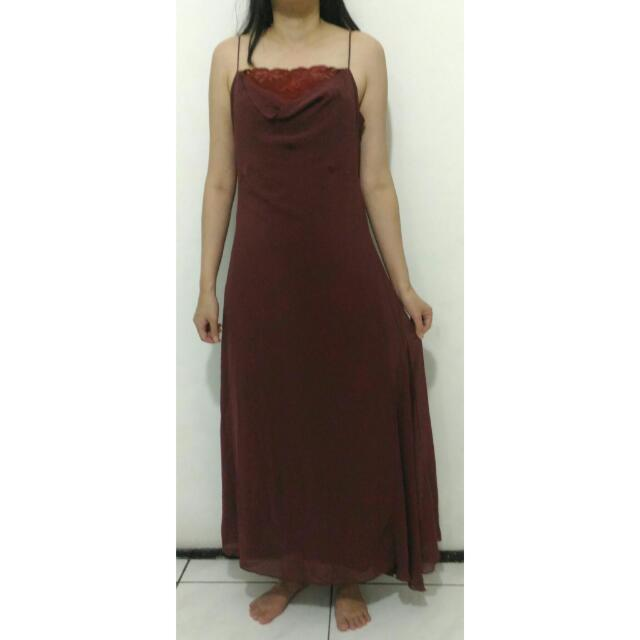 Dress Pesta Maroon