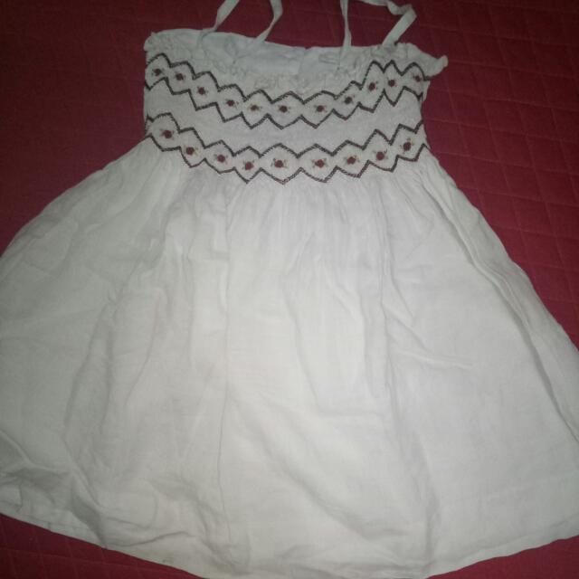 Dress Putih Hush Puppies