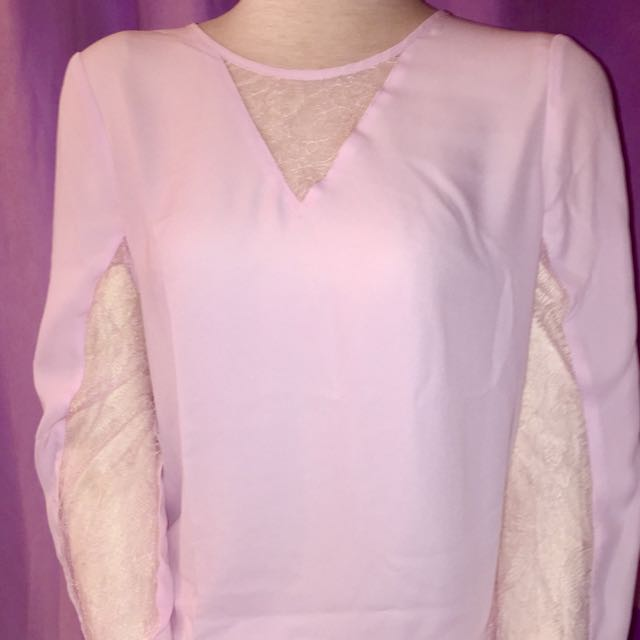 Dynamite light pink sheer lace top