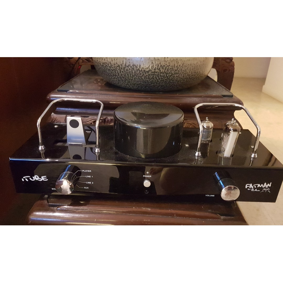 Fatman iTube Hybrid Valve amplifier with dock for iphone