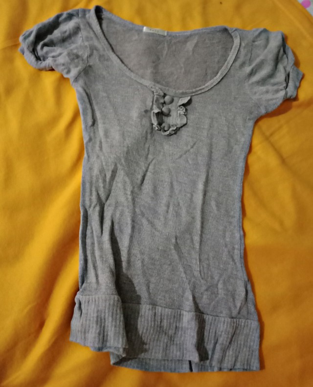Gray fitted shirt