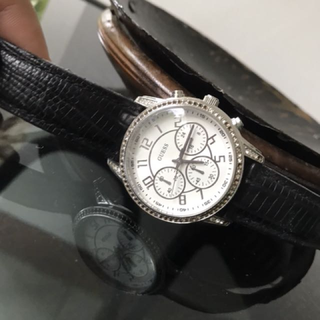 Guess leather black (no box)