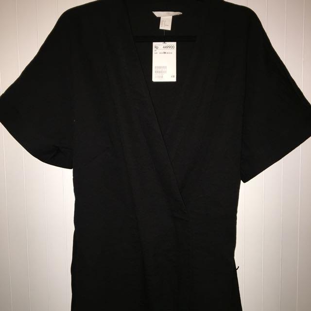 H&M black kimono top