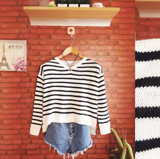 HQ stripes soft knit top