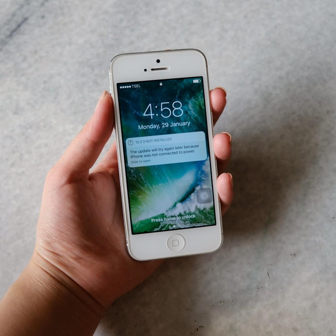 iPhone 5 putih 16GB beli tahun 2013