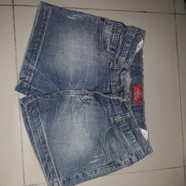 Jeans pendek gaoll